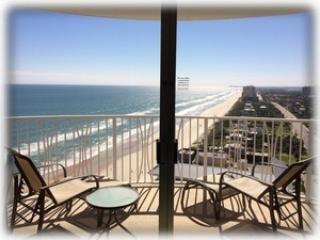 Peck Plaza 3/2 Oceanfront Condo, Daytona Beach