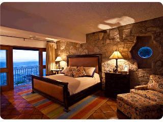 Penthouse Villas Banderas @ Conchas Chinas, Puerto Vallarta