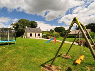 Detached child friendly cottage with large garden