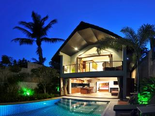Beachside Pool Villas (with outside cinema)
