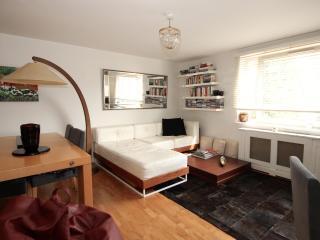 Apartment moments from Portobello, Londen