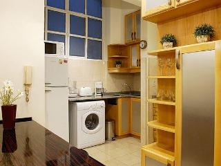 Elegant 1 Bedroom - 1.5 Bathrooms - Wifi @ (R1)