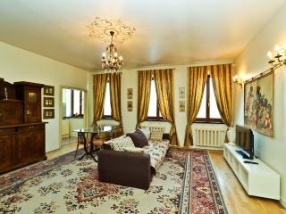 Luxury apartment on Nevsky prospect 88, San Petersburgo