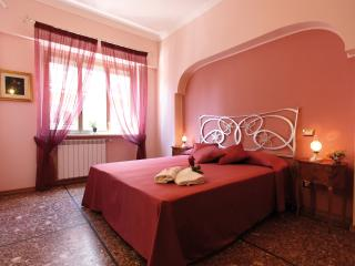 Miriam Guesthouse - Camera ROSA, Roma