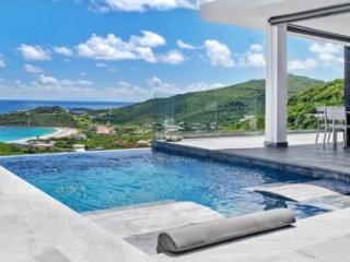 3 Bedroom Villa with Ocean View near Dawn Beach, Philipsburg