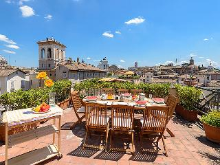 Old Rome palace, panoramic 4 BR 3 BA terrace views