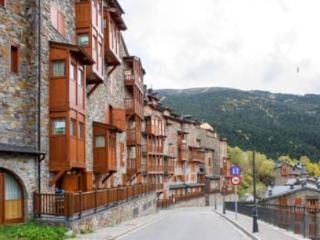Soldeu - La Pleta Apt  with FREE locker at Gondola