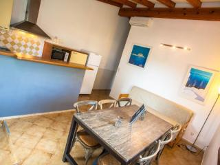 bel Appartement 'hortensia' avec grande terrasse et vue dégagée sur Calvi