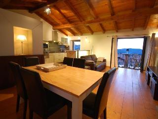 Très bel appartement 'celu' : équipement luxueux et très belle vue, ambiance chaleureuse du village, Calenzana