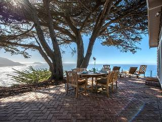 3670 Cliff House - Sweeping Mountain & Ocean Views! Private! Whale Watching!, Big Sur