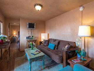 Casita Espiritu - Walk to the Plaza, Canyon Rd & more outdoor area with BBQ, Santa Fe