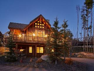 Enjoy Big Sky in this ski in, ski out luxury Alpine Meadows Chalet!