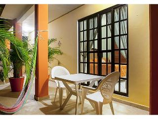 Comfortable apartment next to sparkling pool