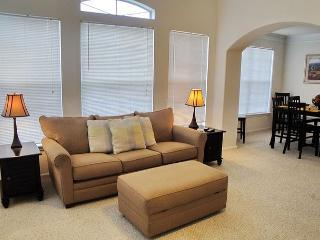 Beautiful 2Br/2Ba Villa is Perfect for a Weekend Getaway or Family Vacation!, Gulfport