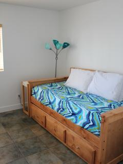 4th room with Twin bed and trundle