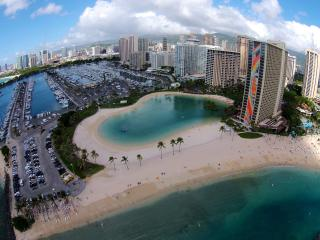 A 5 minute walk to the nearby lagoon and Waikiki Beach