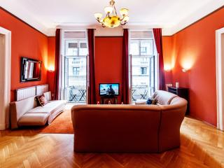 168m2 sup.4bedroom ap. with A/C and wifi CITY24, Budapest