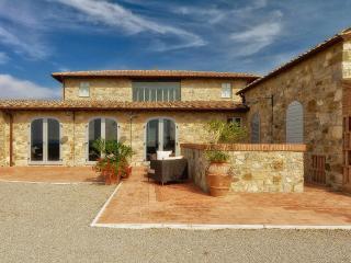 Villa in Castelnuovo Berardenga, Chianti, Tuscany, Italy, San Gusme
