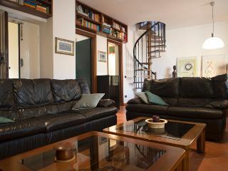 Homy Apartments via Altaguardia, Milán