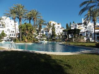 Five Bedroom Town House in fantastic location near Puerto Banus, Nueva Andalucia