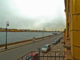 Luxury apart with great view on Neva river, St. Petersburg