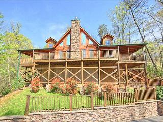 Gatlinburg luxury cabin  BEARFOOT LODGE #420
