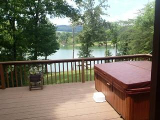 On Golden Pond is a beautiful lakefront vacation home on Norris Lake, with private boat dock.