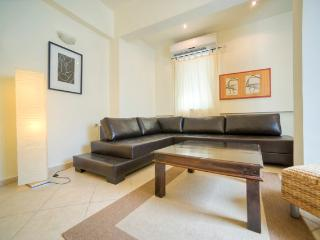 Sirkin/Frishman – Stylish 2 Bedroom Apartment