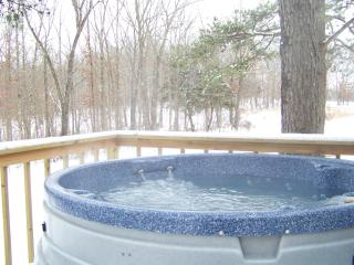 hot tub in winter-the best time to enjoy