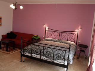 Villa Liburnia, Violet Room (2), Livourne