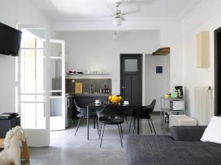 Central,spacious,pine forest view near Syntagma!!, Athens