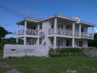 Sea Coast GF 2 bed villa 50 metres from the beach