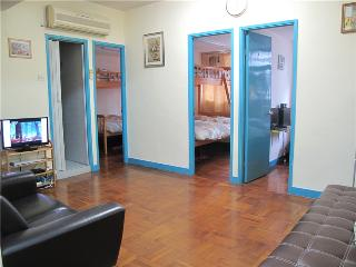 Cozy and grand,2 Mins to MTR, 3 rooms large, Hongkong
