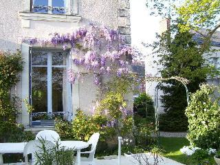 Le Manoir de Menil - Charming Small Manor House, Mayenne