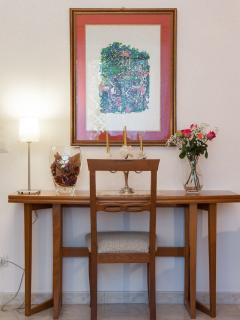 LIVINGROOM- TABLE CONSOLE OPENING-