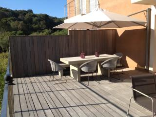 DUPLEX STANDING PALOMBAGGIA  120 m2 avec WIFI, Porto-Vecchio
