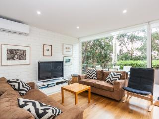 ONE AT EIGHT  1/8 Charles Street, Lorne