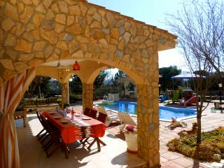 Tordera villa for 11 guests, 8km from the beach