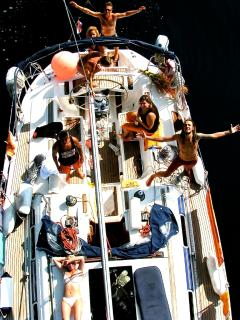 Party on the sailing yacht...
