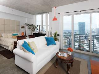 Stylish Loft in the Heart of Miami - Water Views