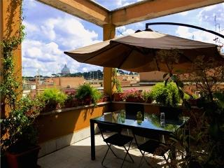 PENTHOUSE WITH TERRACE, VATICAN VIEW, CONNECTED, Vatican City