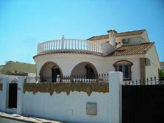 (464) Casa Blanca 3 bed villa private pool quiet area air-con close to amenties
