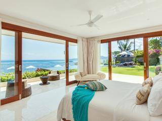 Luxury beach house Tirta Nila.