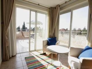German Colony - Mini Penthouse (2BR + terrace)
