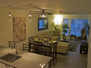 """Oasis"" Spacious Condo starting at $165.00 CAD/night including secure parking"