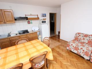 LARA Standard Two-Bedroom Apartment (gore, #2), Rovinj
