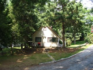 SMALL COTTAGE sleeps 7