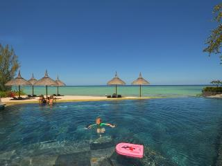 Sea/Beachfront luxury appart, pool, Mauritius West, Tamarin