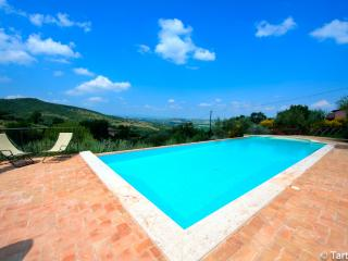 Sangiovese the honeymooner home with eco pool, Paciano