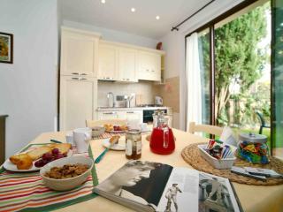 Equipped Apartment in Chianti with Pool, San Donato in Poggio